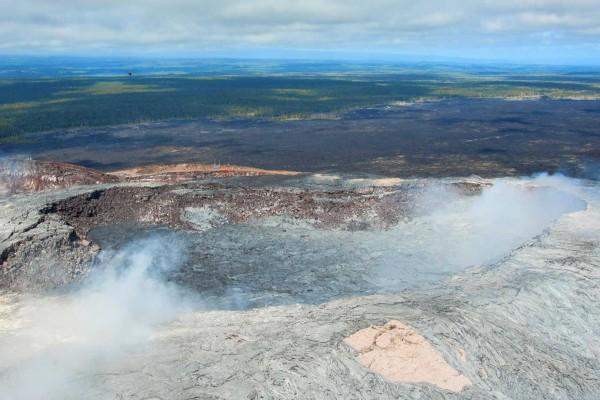 06-foto-taucher-fotografie-hawaii-kona-vulkan-lava-krater-helicopter3BCD7B12-FE87-5A9D-9A11-03AEC3BD6753.jpg