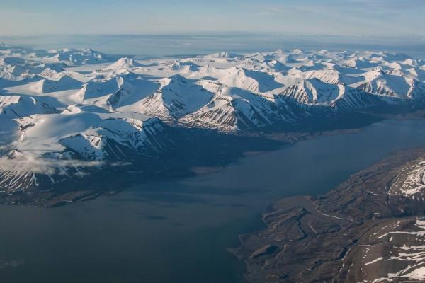 02-foto-taucher-fotografie-arktis-svalbard-luftaufnahmeC171D950-98F4-00AA-D770-D03D64E6CE68.jpg