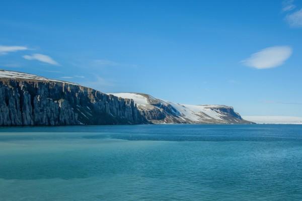 13-foto-taucher-fotografie-arktis-svalbard-alkefjellet7DFD9AF5-3223-5AC1-B654-BD8C78F449C7.jpg