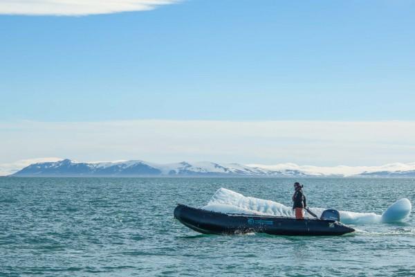 19-foto-taucher-fotografie-arktis-svalbardEF8A3FB5-7EC9-AAE4-BD21-C0E92EF2ADAE.jpg
