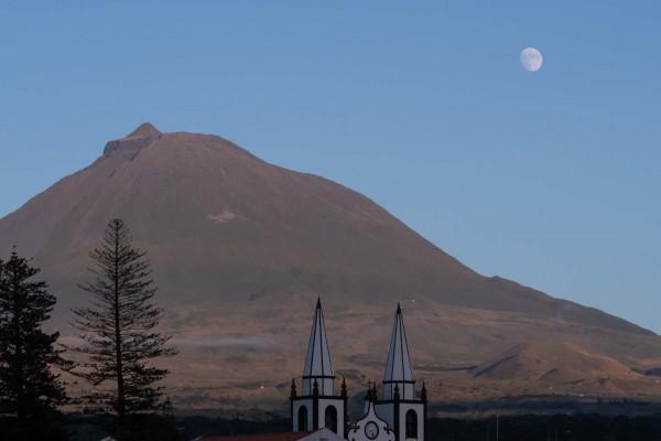 foto-taucher-fotografie-azoren-pico-vulkan-mond248814BA-A065-F767-00E0-7FA96EB65453.jpg