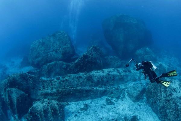 foto-taucher-unterwasserfotografie-seychellen-granitbloecke-unterwasserlandschaft-22A677643-578A-442F-CF7F-6AAD3BE1B8E1.jpg